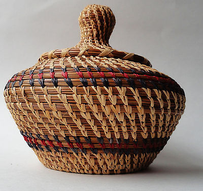 Sweetgrass basket & lid ethnic hand made origin unknown Africa vingage