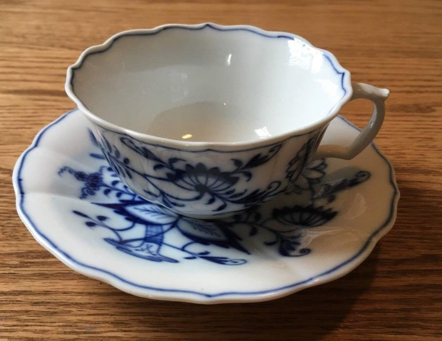 Antique Meissen Blue Onion Crossed Swords with Pommels Cup & Saucer