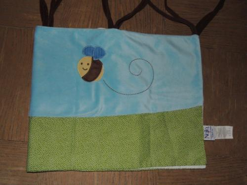 NOJO CRITTER BABIES WINDOW VALANCE BUMBLE BEE BLUE GREEN BROWN SOFT FUZZY