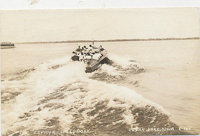 B3743 1944 POSTCARD RPPC PHOTO CLEAR LAKE IOWA SPEEDBOAT SPEED BOAT ZEPHYR