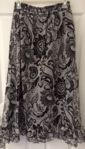 Vanity Womens Long Skirt Sz Small Boho Full Vintage Black & White Paisley Ruffle