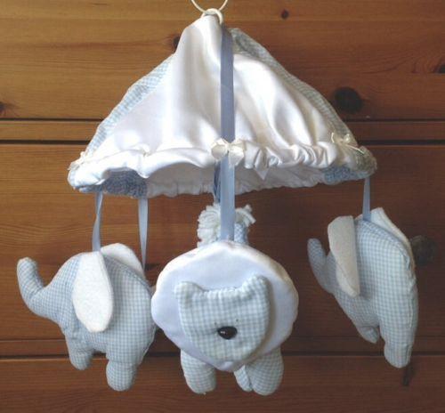 BABY CRIB-BASSINET ENTERTAINING ANIMALS DECORATIONS - blue & white