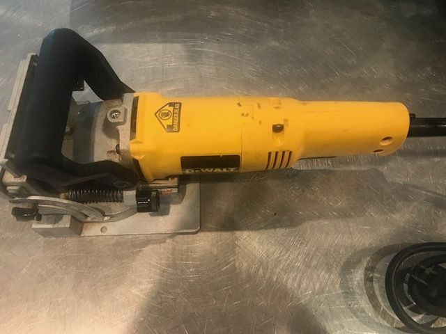 DeWalt DW682 Plate Biscuit Joiner With Case