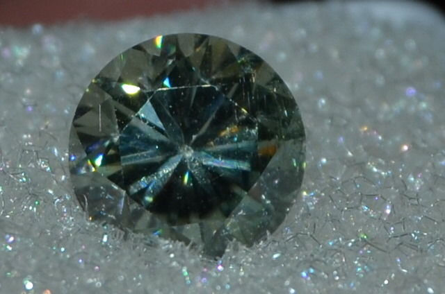 Wonderful 1.20ct 6.8mm VS Brilliant Cut Green Colored Moissanite Gemstone