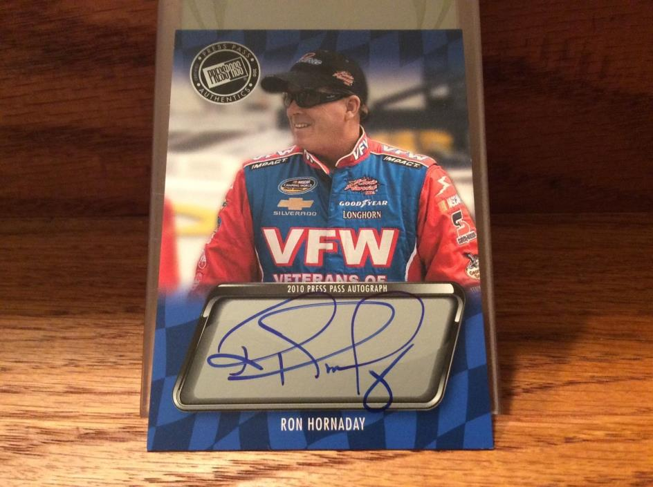 2010 Press Pass Autograph of Ron Hornaday.
