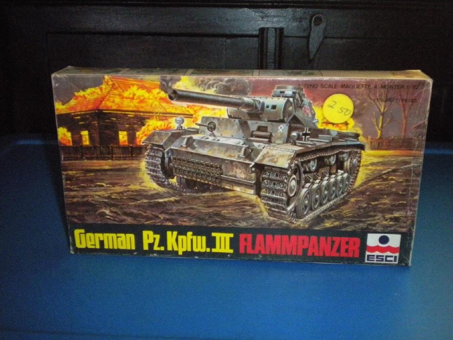 ESCI 1/72 WWII German Pz.Kpfw.III FLAMMPANZER Tank 8057 Open Box