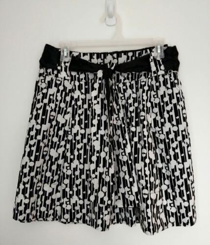 Womens Maurices Flared Skirt Size M 100% Cotton Black & White
