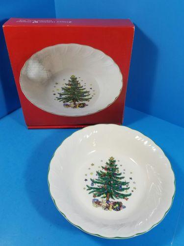 NIKKO Round Happy Holidays 9.5 Vegetable Bowl Christmas Tree Christmastime Desig