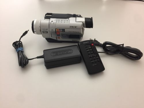 Sony Digital8 Hi8 8mm DCR-TRV740 Handycam Video Camcorder Player