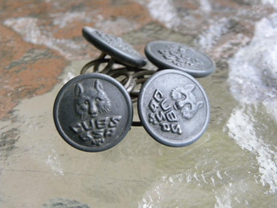 Set of 4 vintage antique old Boy Cub Scouts America metal buttons CUBS CSA 5/8