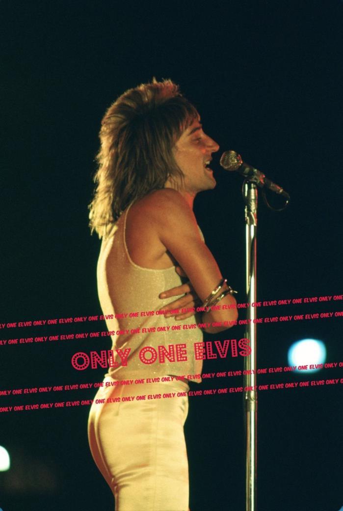 1970s RARE Photo SUPERSTAR Singer ROD STEWART Live in CONCERT Unseen  04