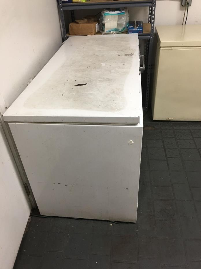 HUGE FREESTANDING - CHEST FREEZER - FREE LOCAL PICK UP OR DELIVERY!!!!!!!!