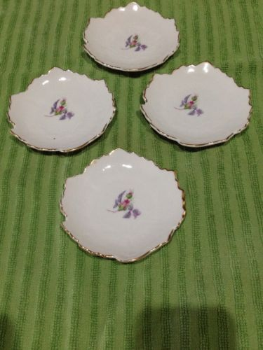 4 Small Vintage Plates