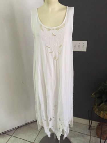 Beach Wedding VINTAGE White HAWAIIAN HIBISCUS DRESS M SATYUGA Embroidered