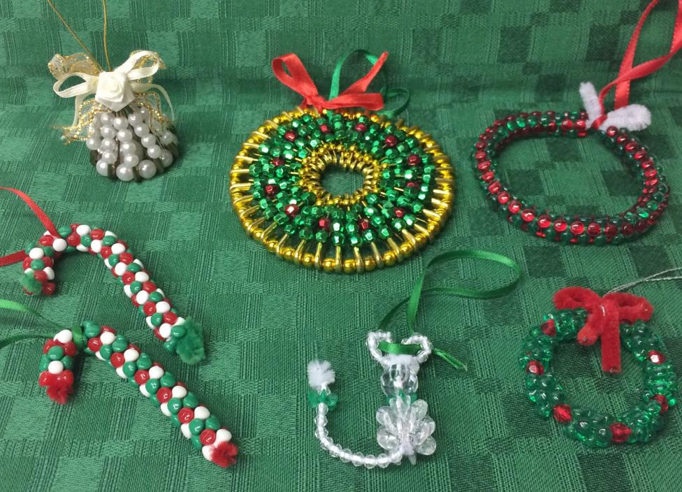 (7) VINTAGE HANDMADE BEADED CHRISTMAS ORNAMENTS - SAFETY PINS PEARL BELL WRIEATH