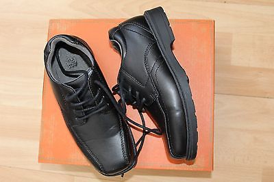 NWT BOYS ROUTE SZ 2 BLACK SHOES