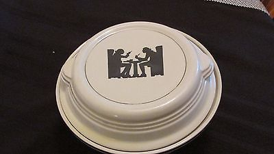 HALL SILHOUETTE CASSEROLE DISH WITH LID.