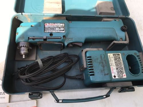 Makita DA3000D 7.2V NiCd  Cordless Right Angle Drill and Charger in Metal Case