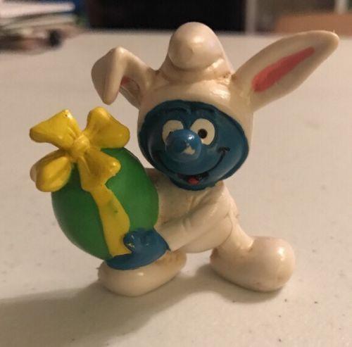 1982 Easter Bunny  Smurf  Figure Peyo Schleich PVC
