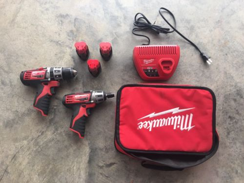 Milwaukee Drill / Driver Kit  with 3 batteries and carrying case