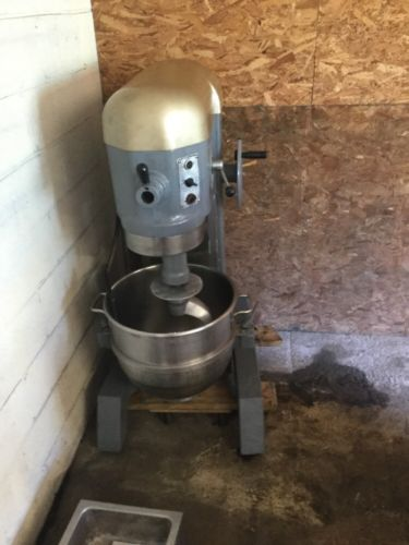 Hobart 60 Qt Mixer With Bowl And Hook