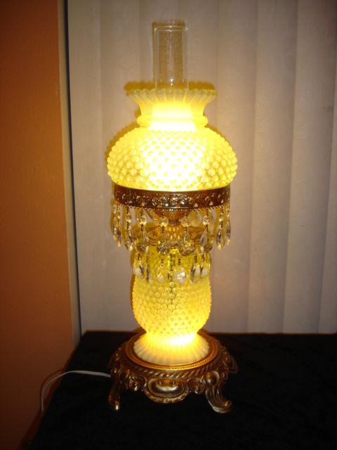 FENTON VASELINE GLASS TOPAZ COLOR OPALESCENT HOBNAIL RARE LAMP GWTW