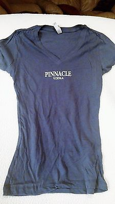 New Pinnacle Vodka I Like It Dirty Ladies Promotional Liquor T-Shirt Blue Gray S
