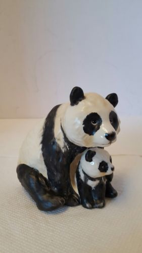 Vintage 1976 GOEBEL MAMA PANDA and CUB Figurine 36008-10