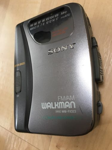 Sony Walkman WM-FX323 AM/FM Mega Bass Auto-Reverse