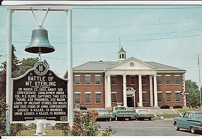 MT STERLING  KENTUCKY MONTOGOMERY COUNTY COURT HOUSE  MARKER & BELL OLD CARS  KY