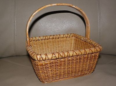 Nantucket Style NAPKIN BASKET with BENTWOOD BAIL HANDLE