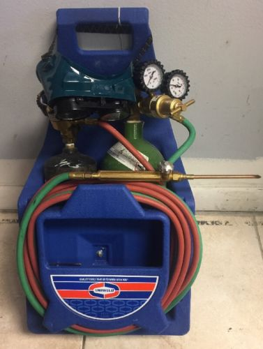 Uniweld K22P 71 Torch Oxygen Gas Acetylene Fuel Welding & Cutting Outfit