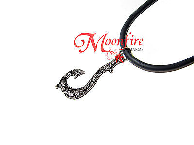 MOANA MAUI MINI FISH HOOK REPLICA PENDANT NECKLACE MATAU SYMBOL INTRICATE