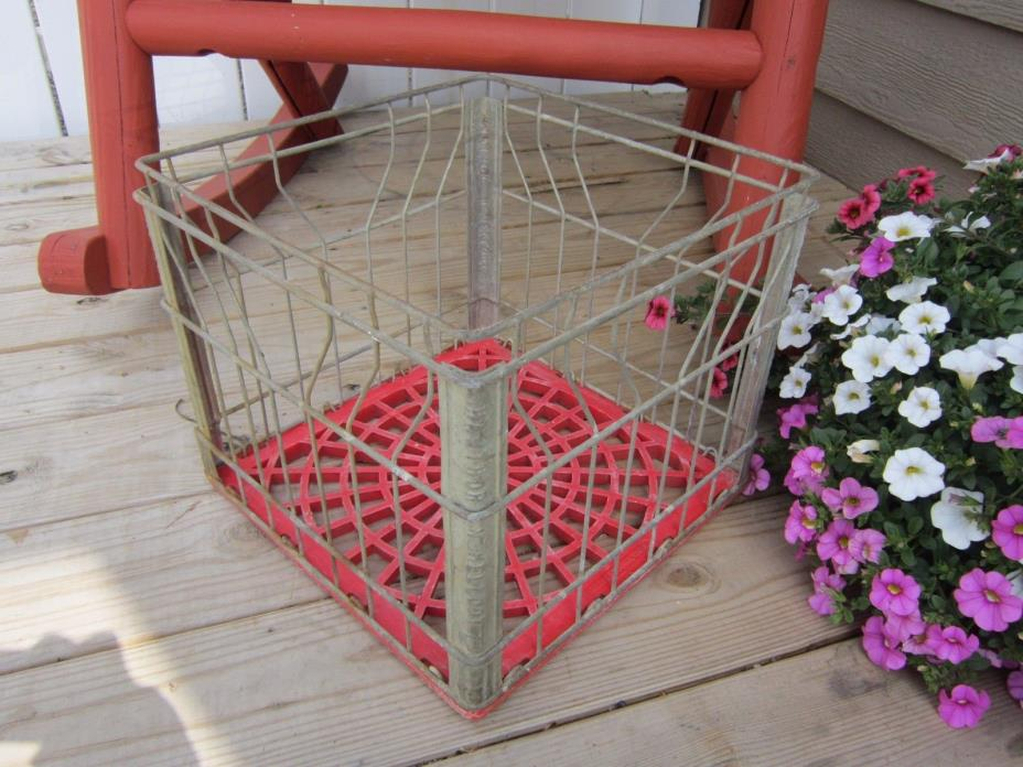 Vtg HAWTHORN MELLODY Farms Dairy Wire/Plastic Milk Crate Carrier Box Tote