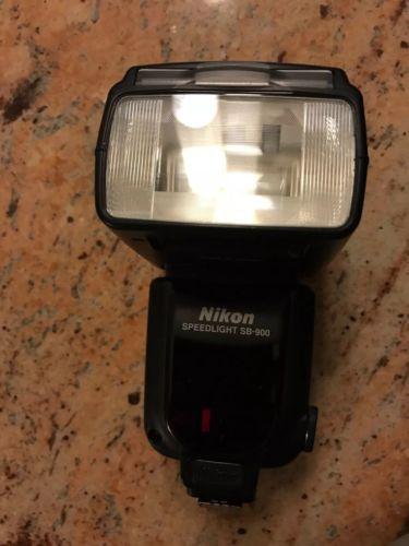 Nikon SB-900 Speedlight I-TTL Speedlight Flash