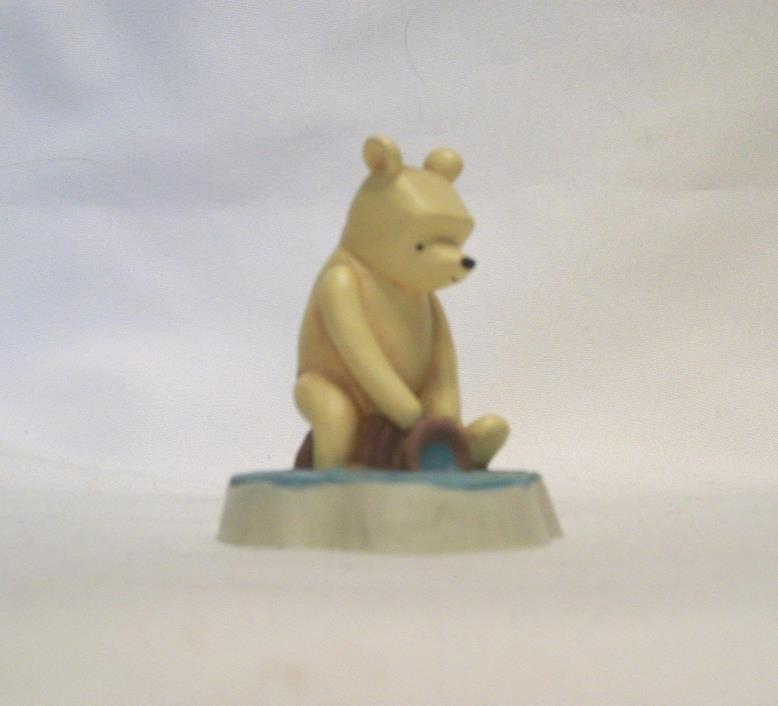 Lenox Disney Winnie the Pooh Thimble – POOH AND HUNNEY POT COLLECTING WATER