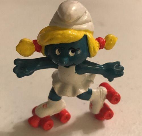 1980 Smurfette Roller Skating Skater Figure Peyo Schleich PVC