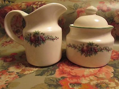 Pfaltzgraff Christmas Fruit Sugar & Creamer Set EUC 5