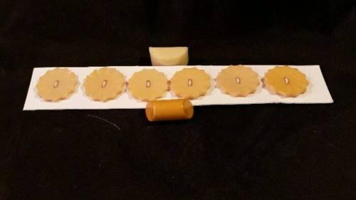 SIX MATCHING 1930'S ERA YELLOW BAKELITE DRESS BUTTONS PLUS 2 MISC. BUTTONS!