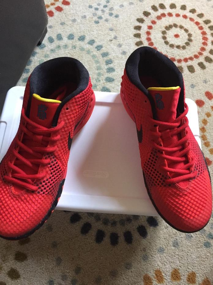 Nike kyrie deceptive red size 5.5y