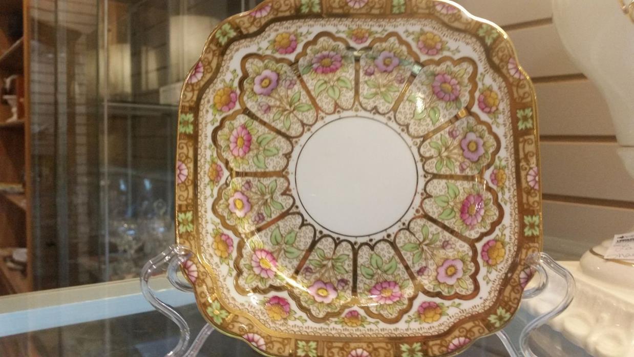 Royal Crown Albert Court Sandwich plate