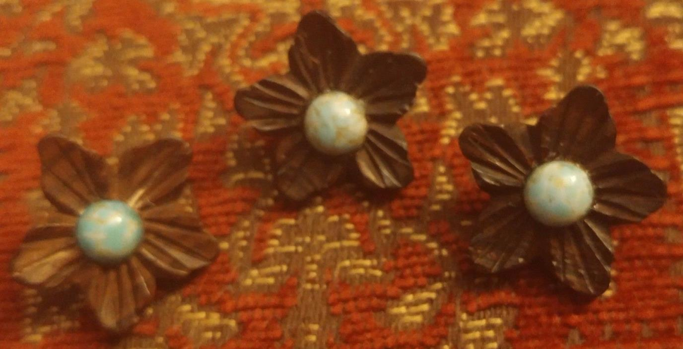 3 VINTAGE WOOD FLOWER & TURQUOISE STONE BUTTONS BUTTON