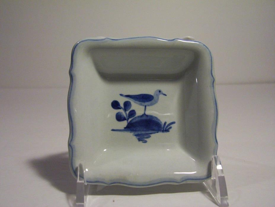 Royal Copenhagen Aluminia 1967 butter dish blue white seagull on rock 4025