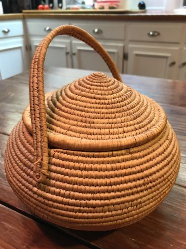 Vintage Sweet Grass Basket With Lid And Handle  6