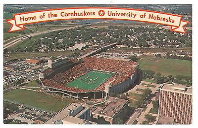 UNIVERSITY OF NEBRASKA CORNHUSKERS MEMORIAL STADIUM LINCOLN NE VINTAGE POSTCARD