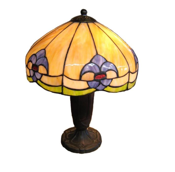 Bradley Hubbard 1907 Art Glass Table Lamp