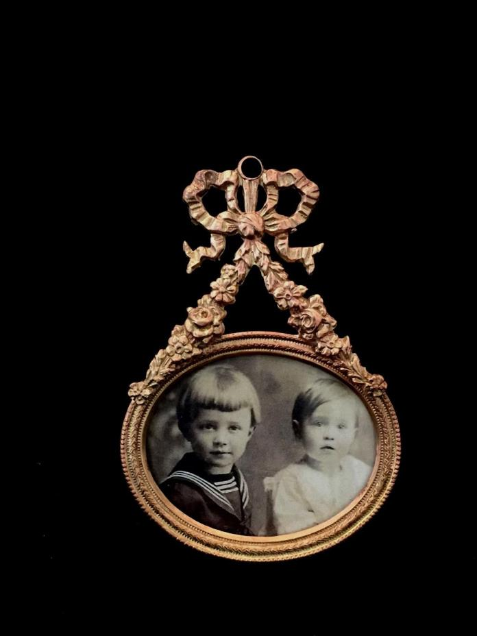 GREAT MINIATURE ANTIQUE PICTURE FRAME MEASURES  2 1/4
