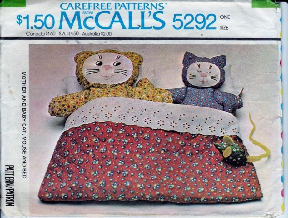 Vtg 70s Pattern Stuffed Toy Mom & Baby Cat Mouse & Bed