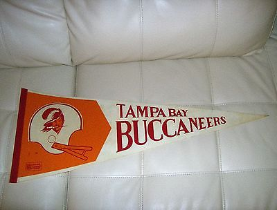 vintage tampa bay buccaneers nfl football pennant (large nfl logo)