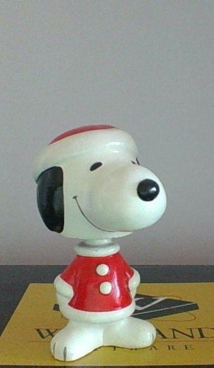 Vintage Peanuts Snoopy Santa Hat Christmas Bobble Head  Nice